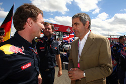 Christian Horner, Red Bull Racing, Sporting Director con Rowan Atkinson, alias Mr. Bean