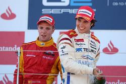 Sergio Perez fête son succès sur le podium avec Dani Clos