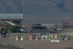 Start: #8 Drayson Racing Lola B09 60 Judd: Emanuele Pirro, Jonny Cocker en #37 Intersport Racing Lol