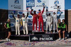 GT klasse podium: klasse winnaars Jaime Melo en Gianmaria Bruni, tweede plaats Bill Auberlen en Tom