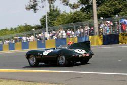 #32 Jaguar D Type 1955: Neil Cunningham