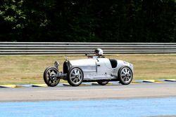 #49 Bugatti 35B 1926: Marc Nicolosi, Anne Nicolosi, Baptiste Nicolosi