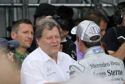 Race winner Jamie Green, Persson Motorsport AMG Mercedes C-Klasse celebrates with Norbert Haug