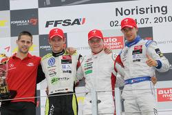 Race winnaar Valtteri Bottas, ART Grand Prix Dallara F308 Mercedes, 2de Marco Wittmann, Signature Da