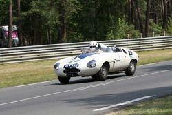 #29 Jaguar E2A 1960: Stefan Ziegler, Robert Newall, Tony Dron