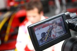 Рикардо Тейшейра под прицелом видеокамеры