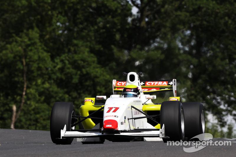 Natalia Kowalska at Brands Hatch - F2 Photos