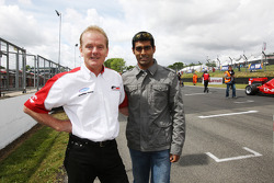 Karun Chandhok, Hispania Racing F1 Team with Jonathan Palmer CEO MotorSport Vision