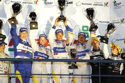 LMP1 podium: class et toutes catégories vainqueurs Oliver Panis, Nicolas Lapierre et Stéphane Sarrazin avec Hugues de Chaunac