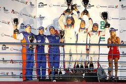 LMGT1 podium: vainqueurs de la catégorie Gabriele Gardel, Patrice Goueslard et Fernando Rees, 2e Julien Schroyen, Carlo Van Dam et Adam Lacko