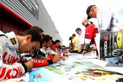 Sergey Afanasiev à la session d'autographes de la F2