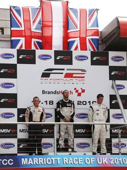 Podium: race winner Philipp Eng, second place Tom Gladdis, third place Dean Stoneman