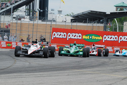 Will Power, Team Penske leads Dario Franchitti, Target Chip Ganassi Racing