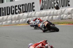 Jorge Lorenzo, Fiat Yamaha Team and Dani Pedrosa, Repsol Honda Team fight for the lead