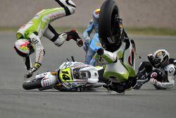 Randy De Puniet, LCR Honda MotoGP, Aleix Espargaro, Pramac Racing Team crash