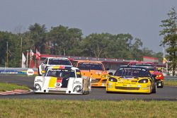 #9 Action Express Racing Porsche Riley: Joao Barbosa, Terry Borcheller, JC France, #28 LG Motorsport
