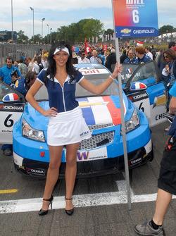 Yvan Muller's gridgirl