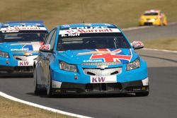 Rob Huff leads Yvan Muller