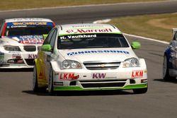 Harry Vaulkhard leads Tim Coronel