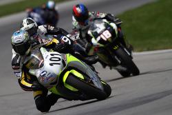#101 Honda CBR1000RR: Jordan Szoke leads the second pack of riders
