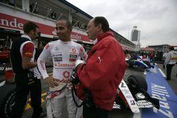 Lewis Hamilton talks with Frederic Vasseur, ART Grand Prix team principal