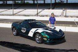Jimmie Johnson, Hendrick Motorsports Chevrolet avec le 2010 Brickyard 400 Corvette pace car