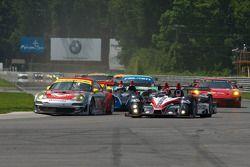Start: #45 Flying Lizard Motorsports Porsche 911 GT3 RSR: Jorg Bergmeister, Patrick Long, #89 Inters