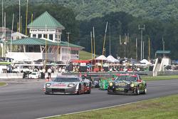Bobby Labonte, Phoenix Racing Chevrolet, Joey Logano, Joe Gibbs Racing Toyota