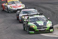 #75 Jaguar RSR Jaguar XKRS: Ryan Dalziel, Marc Goossens, #40 Robertson Racing Doran Design Ford GT:
