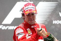 Podium: vainqueur Fernando Alonso, Scuderia Ferrari