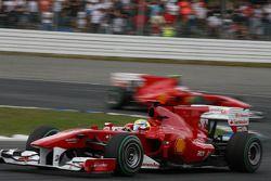 Jenson Button, McLaren Mercedes, Felipe Massa, Scuderia Ferrari