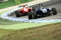Lucas Foresti leads Miki Monras