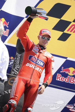 Podium: segundo lugar, Casey Stoner, Ducati Marlboro Team