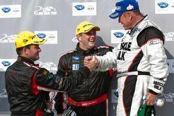P klasse podium: winnaar klasse en algemeen Greg Pickett, 3de Jon Field en Clint Field