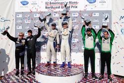 GTC class podium: vainqueurs de la catégorie Henri Richard et Andy Lally, 2e Timothy Pappas et Jero