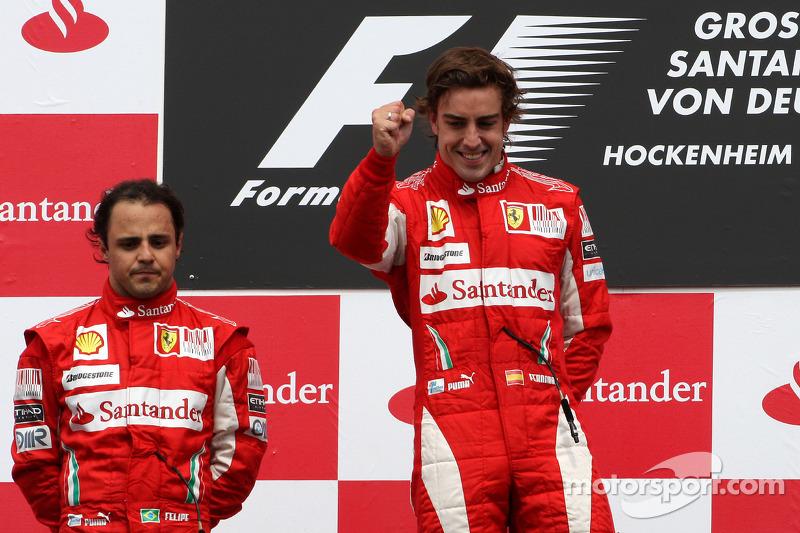 Podyum: Yarış galibi Fernando Alonso, Scuderia Ferrari, 2. Felipe Massa, Scuderia Ferrari