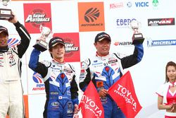 GT300 podium 3rd prace: #31 Evangelion Rt Test Type-01 apr Corolla: Koki Saga, Kosuke Matsuura