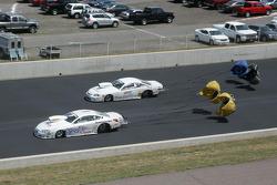 Bob Yonke, Adrenaline Motorsports Pontiac GXP en Kurt Johnson, Mark Christopher Auto Center Chevy Co