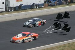 Shane Gray, Tire Kingdom Pontaic GXP en Waren Johnson, K&N Pontiac GXP