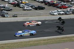 Johnny Gray, NTB Pontiac GXP en Jason Line, Summit Racing Pontiac GXP