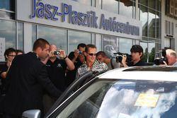 Michael Schumacher, Mercedes GP visitas al Mercedes Garage y planes de expansión