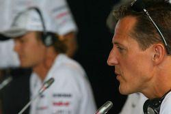 Nico Rosberg, de Mercedes GP con Michael Schumacher, Mercedes GP