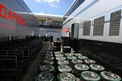 Camiones de McLaren Mercedes, neumáticos Bridgestone