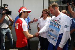 Felipe Massa, Scuderia Ferrari visitas personal médico que le ayudó después de su accidente en 2009