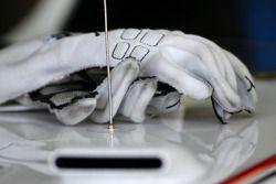 Gloves of Kamui Kobayashi, BMW Sauber F1 Team