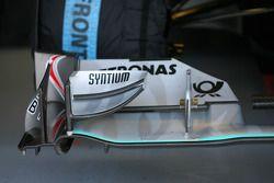 Ala delantera Mercedes