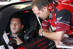 Tony Stewart, Stewart-Haas Racing Chevrolet et chef d'équipe Darian Grubb
