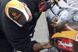 Roush Fenway Racing Ford membre de l'équipe au travail