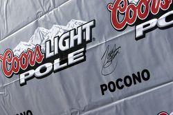 Signature of pole winner Tony Stewart, Stewart-Haas Racing Chevrolet