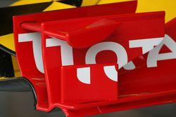 Detalle del ala delantera de Renault F1 Team